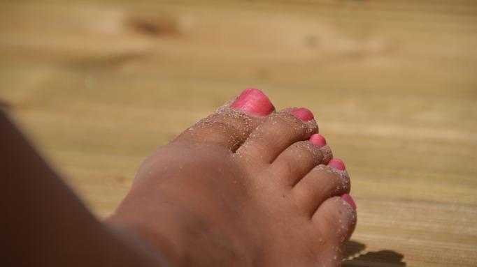 foot-650401_1920