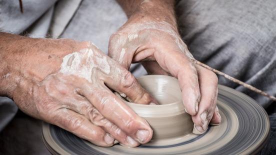 hands-1139098_1280