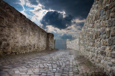 wall-2997629_1280